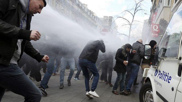 image for Miles de asistentes en un festival belga genera disturbios