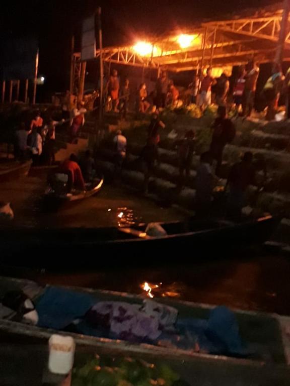 image for Alerta - Tem mais de 50 pessoas de madrugada no Porto da feira