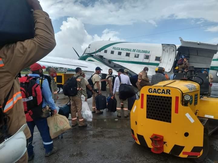 image for Aviación policial ayuda a los habitantes de Providencia