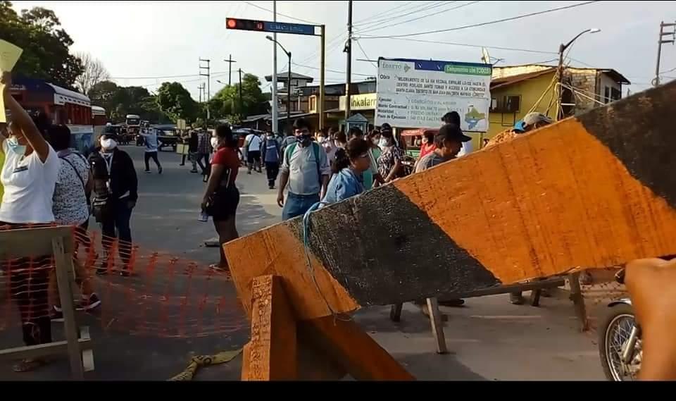 image for Bloquean carretera Iquitos-Nauta
