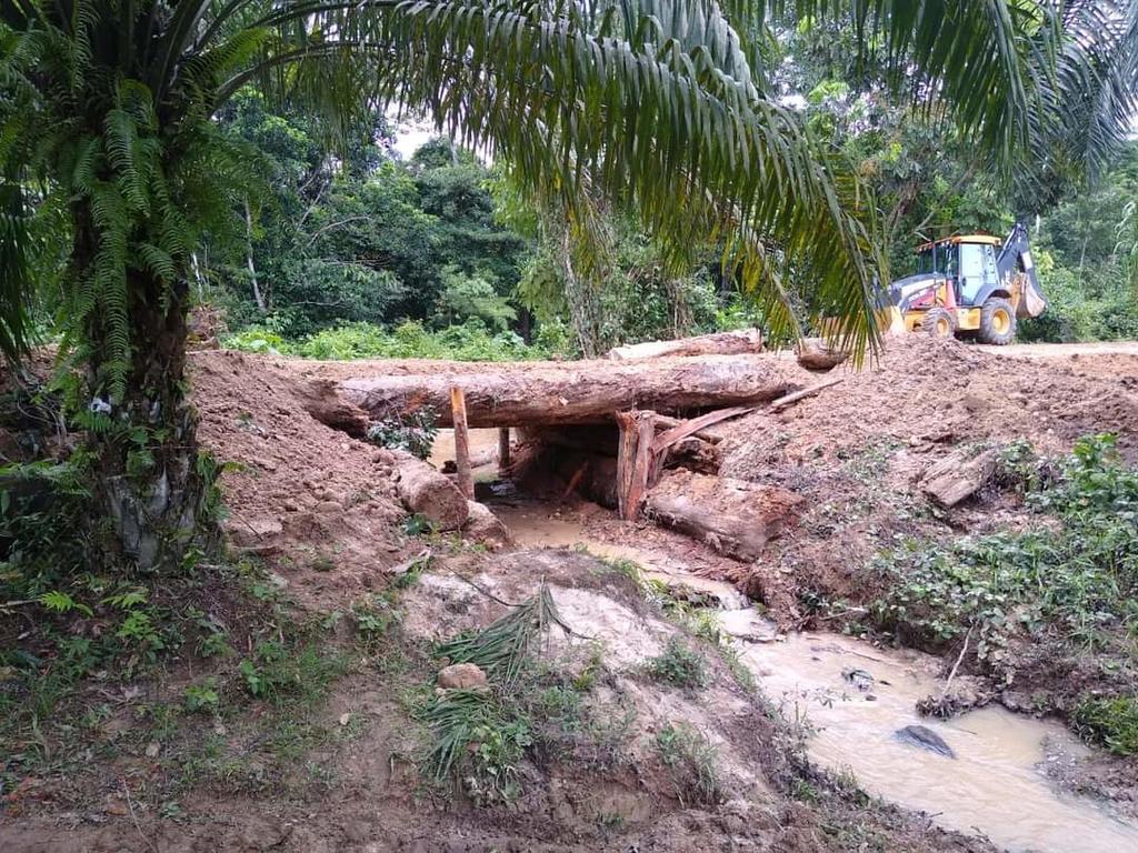 image for Colapso de dos puentes a causa del incremento del caudal