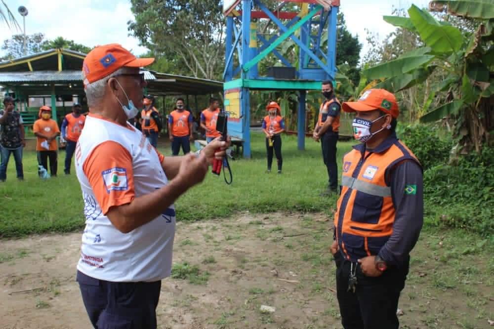 image for Defesa Civil levando informações e alertas a populaçao