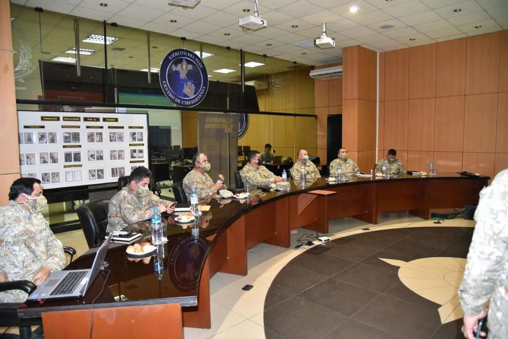 image for General de Ejército visitó el Centro de Ciberdefensa