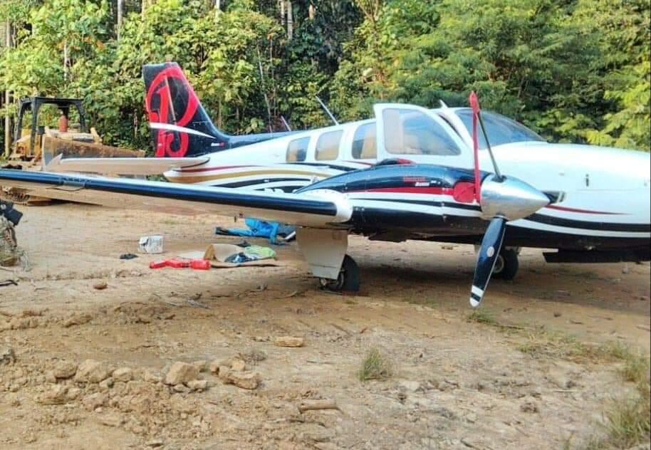 image for Encuentran narcoavioneta y otros bienes en pista clandestina