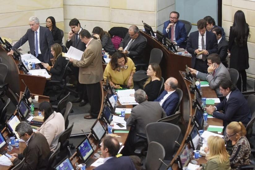 image for Eliminan el beneficio de casa por cárcel a funcionarios corruptos
