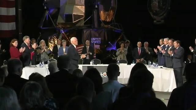 image for Anuncian a los 18 astronautas del programa con el que volverá a la Luna