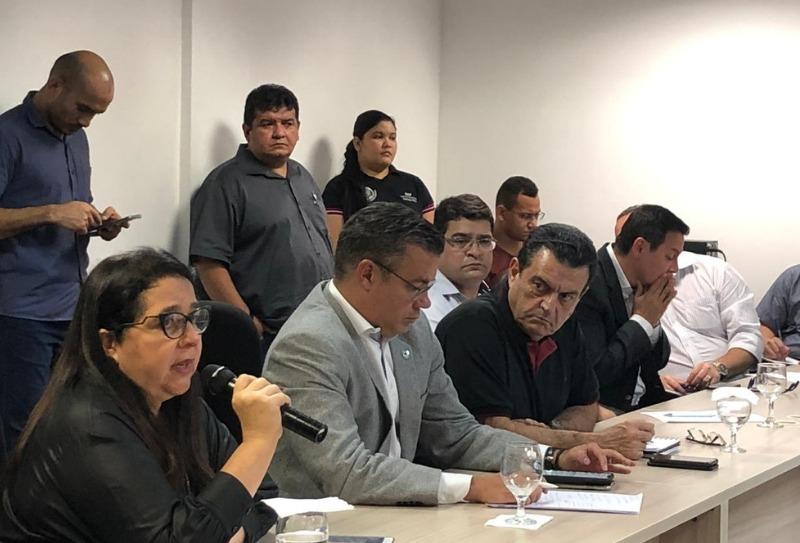 image for Governo do Amazonas monta gabinete de crise do sistema prisional
