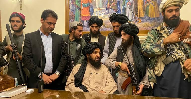 image for Triunfo talibán en Afganistán