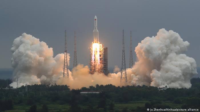 image for China lanza el primer módulo de su estación espacial