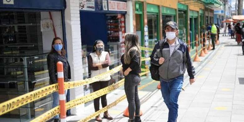 image for Comerciantes en Bogotá no acatarán orden de cierre