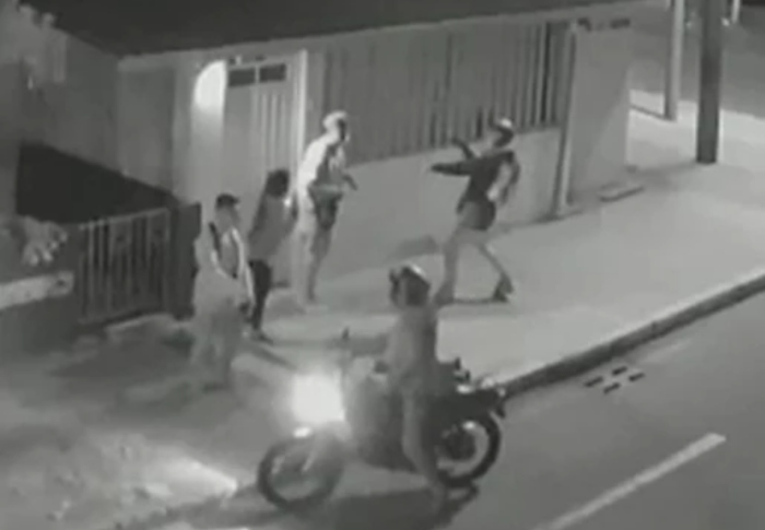 image for Atracador le disparó en la cara a un joven durante atraco