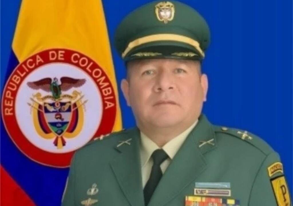 image for Coronel del Ejército investigado en caso de red de tráfico de armas es capturado