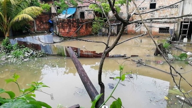 image for Vecinos de Punchana se inunda por fuertes lluvias