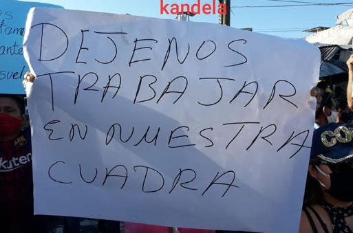 image for Vendedores  exigen trabajar en calle celendín