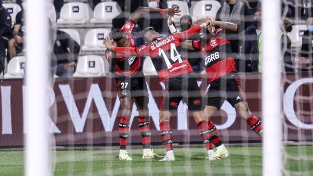 image for Flamengo goleia o Olimpia com dois de Gabigol