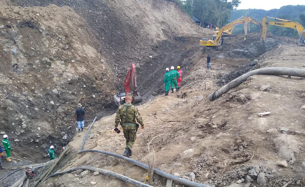 image for Cuerpos sin vida de los once mineros son rescatados