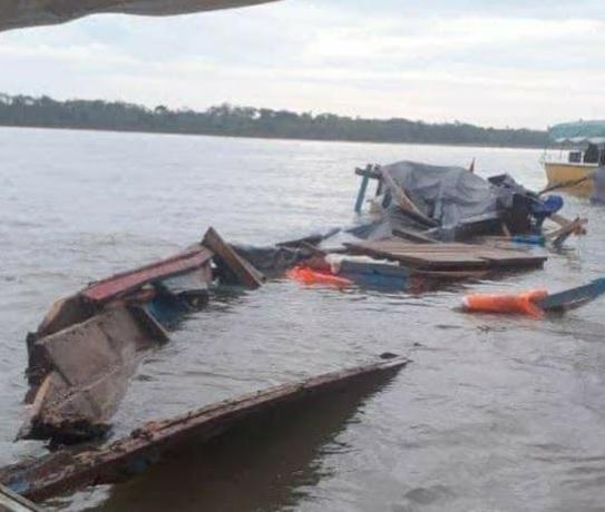 image for Nufragio deja muertos y varios desaparecidos en Yurimaguas