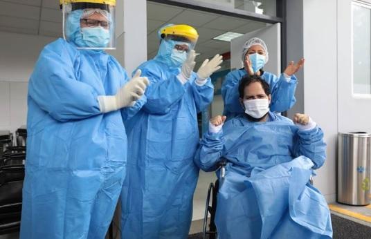 image for Médico de Iquitos que superó el covid-19