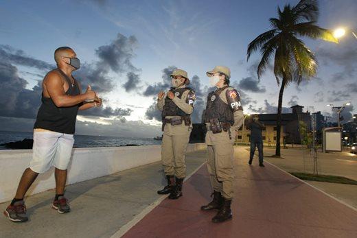image for Bahia iniciará vacinação das polícias contra Covid-19