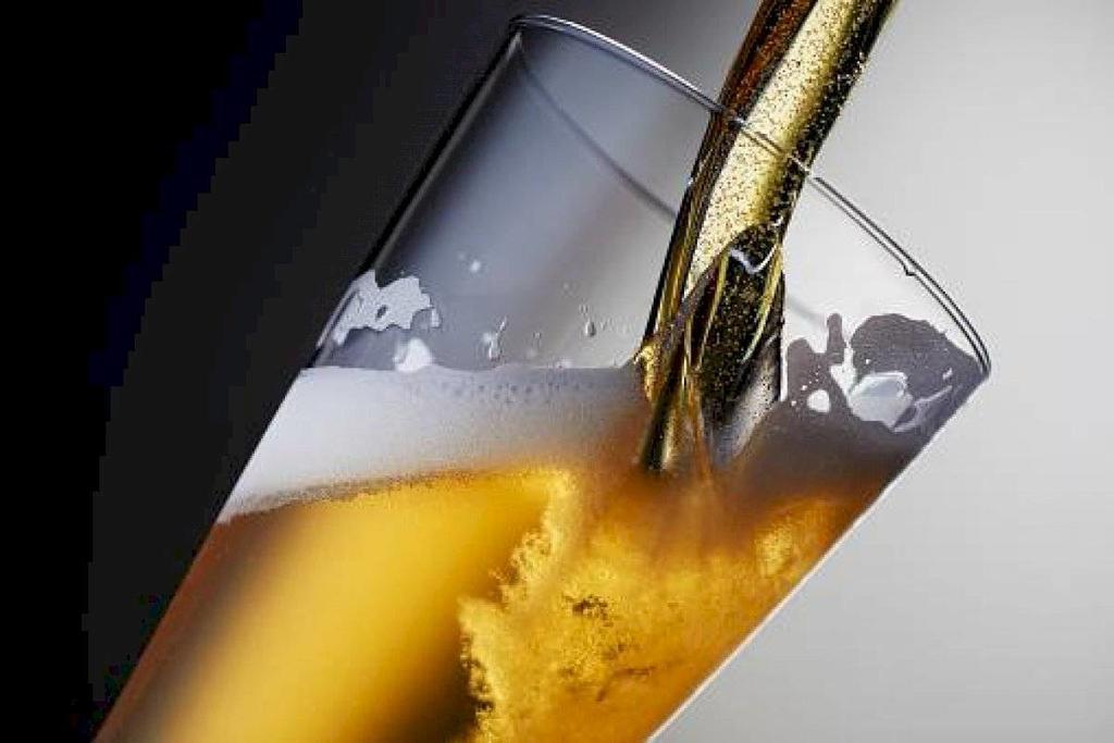 image for Escasez de cerveza la muestra de cómo el mundo sobrelleva la cuarentena
