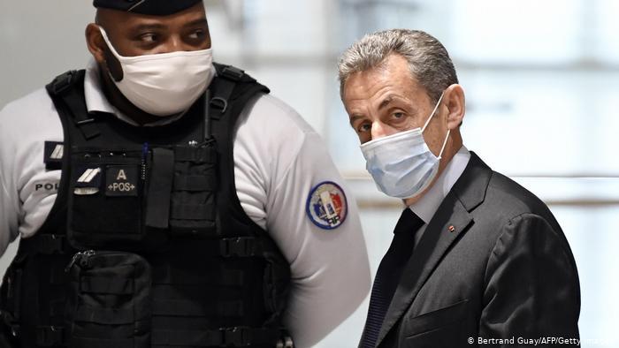 image for Fiscalía francesa pide seis meses de cárcel para expresidente Sarkozy