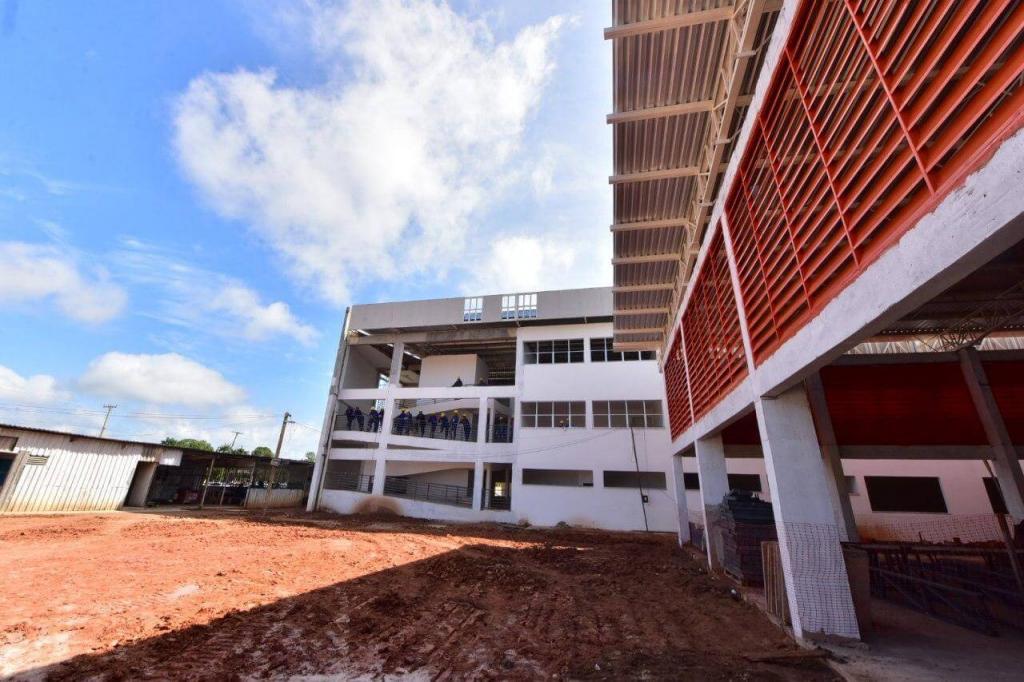 image for Governo do Amazonas investe em revitalização de escolas no Careiro Castanho