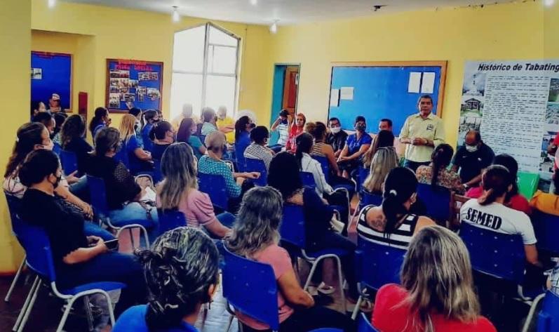image for Prefeito participou em reunião com gestores da área da Educação