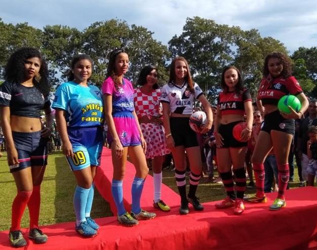 Mulheres com roupas esportivas