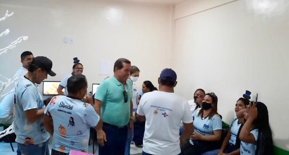 image for Prefeito visita Unidades de Saúde e participa de ações da Campanha