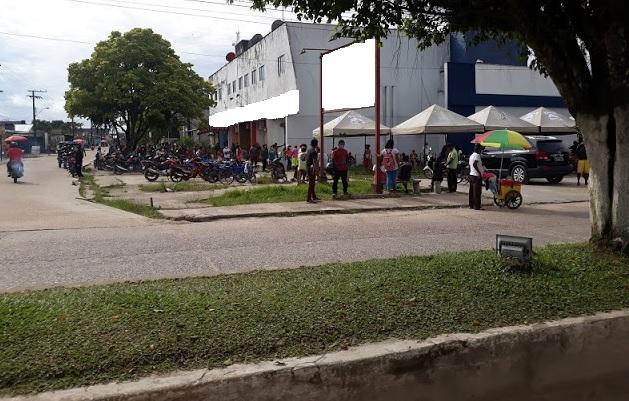 image for Tabatinguense vai receber o auxílio emergencial e causa aglomeração