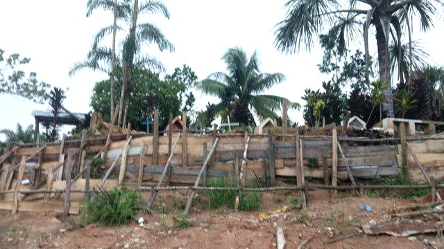 image for Vecinos denuncian presencia de tumbas y restos óseos expuestos
