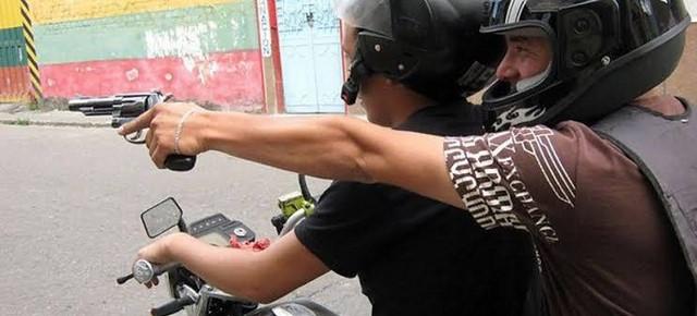 image for Delincuentes con arma de fuego se llevan 65 mil dólares