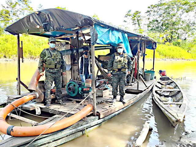 image for Advierte presencia de dragas en el río Napo