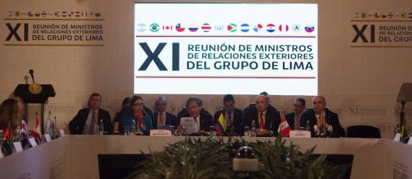 Personas en un evento en Lima