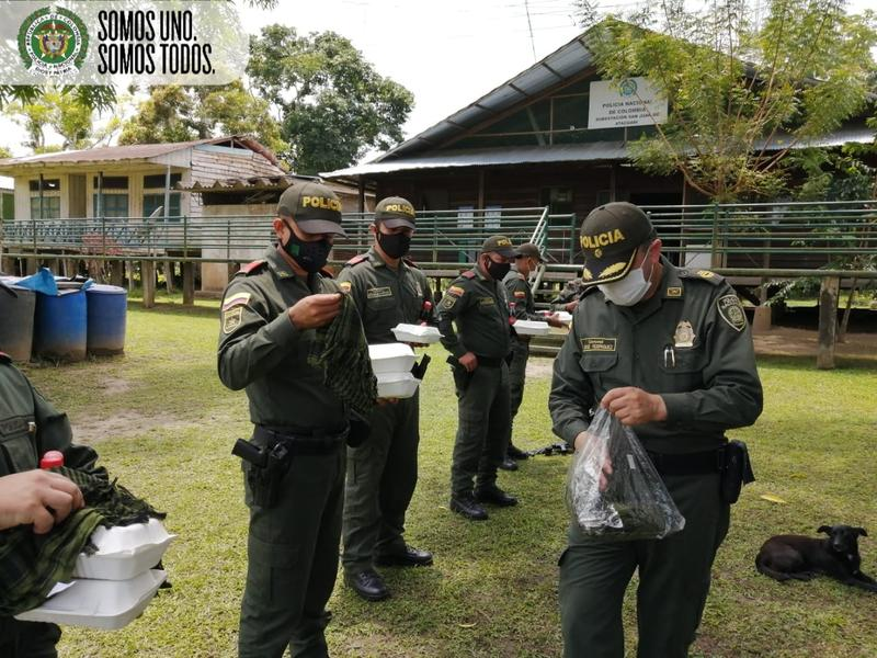 POLICIA QUE PIENSA EN SUS POLICÍAS