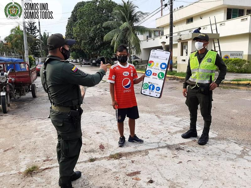 LA POLICÍA NACIONAL REALIZA ACTIVIDADES  DE CONCIENCIA  ANTE EL CIUDADANO DE NO DAR PAPAYA Y CUIDAR MÁS LOS ELEMENTOS