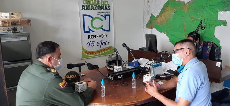 POLICÍA EN LETICIA Y PUERTO NARIÑO ENTREGA RECOMENDACIONES PARA EVITAR LOS DELITOS INFORMÁTICOS EN EL DIA SIN IVA