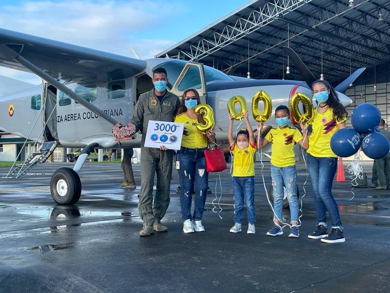Suboficial de su Fuerza Aérea celebra el mes del padre con 3.000 horas de vuelo al servicio de la patria