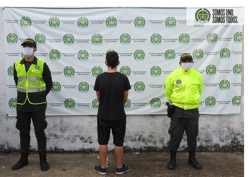 POLICÍA CAPTURA A SUJETO EN FLAGRANCIA POR EL DELITO DE HURTO EN EL BARRIO SAN MARTÍN