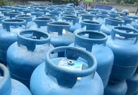 Consumidores reclamam que a botija de gás chegou a R$ 150