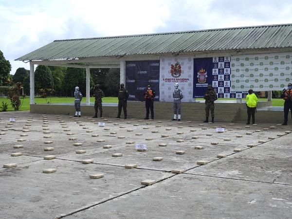 EN EL MARCO DEL PLAN 100 CONTRA EL MICROTRÁFICO, EFECTUAMOS OPERATIVO EN EL CORREGIMIENTO DE LA PEDRERA - AMAZONAS.