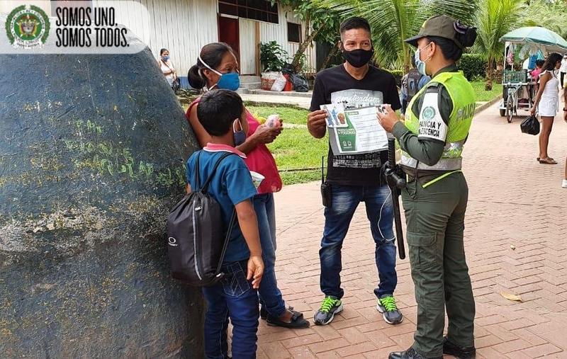 NUESTROS POLICIAS DEL MUNICIPIO DE PUERTO NARIÑO HACE    CAMPAÑAS DE PREVENCIÓN A HURTO A PERSONA EN LAS VÍAS PRINCIPALES