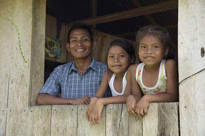 Desde el @ICBFColombia queremos que nuestros niños, niñas y adolescentes sean felices, estudien y cumplan sus sueños. ¡Propiciemos entornos de amor, respeto, apoyo y comprensión en nuestras familias! #FamiliaesProtección