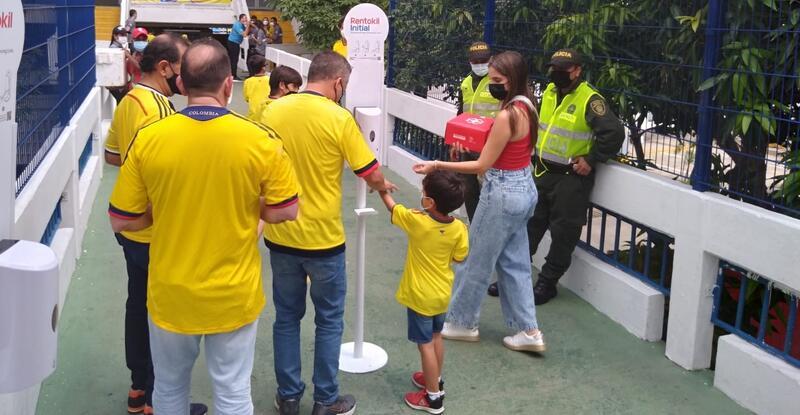 La multinacional inglesa Rentokil Initial, seleccionada como proveedora para sanitizar el estadio Metropolitano de Barranquilla para todos los partidos de la selección Colombia en las eliminatorias a Catar 2022