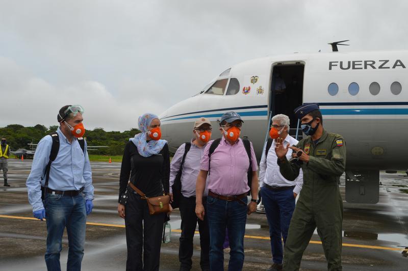 Ministro de Salud fue recibido por el Grupo Aéreo del Amazonas ante su visita a Leticia