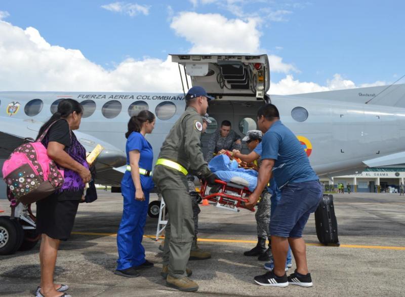 Adulto mayor en delicado estado de salud es trasladada por la Fuerza Aérea Colombiana
