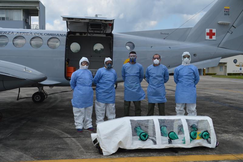 Paciente en delicado estado de salud por Covid-19 fue transportado en vuelo aeromédico de su Fuerza Aérea