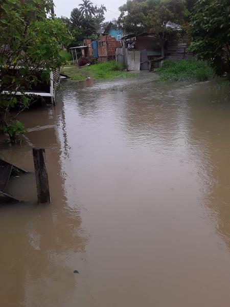 Chuva causa transtornos aos moradores de Tabatinga
