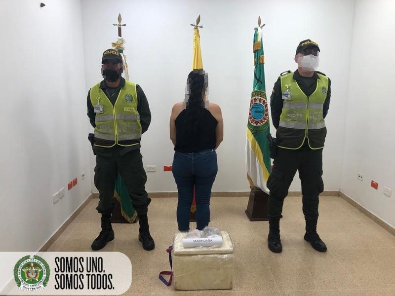 CONTROL REALIZADO EN BODEGAS DE CARGA DEL AEROPUERTO, PERMITE CAPTURA POR ESTUPEFACIENTES