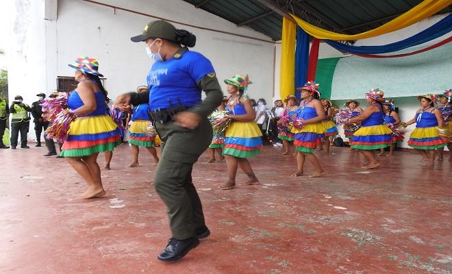EL DEPARTAMENTO DE POLICÍA AMAZONAS LANZA LA CAMPAÑA COLOMBIA UNA RAZÓN